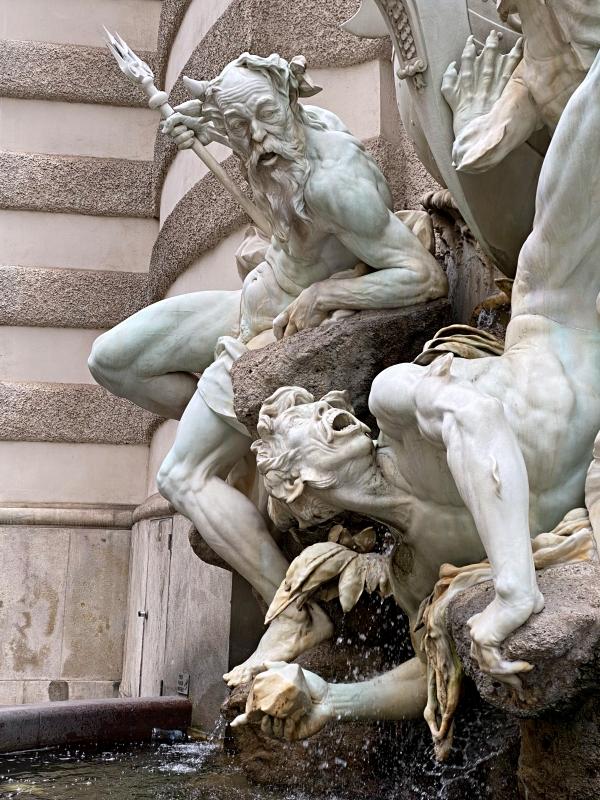 Brunnen in Wien in weiß